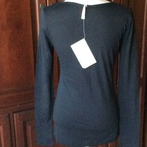 Fabletics Tops - NWT Fabletics scoop neck long sleeve tee size S